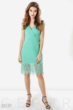 Летнее платье с коротким рукавом средней длины с кружевами на запах мятное, фото 2