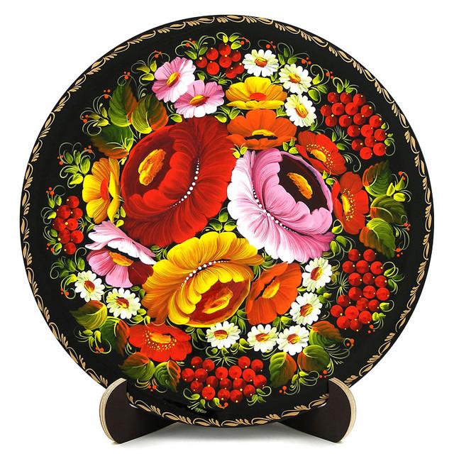 Расписная тарелка в технике Петриковская роспись. Букет с мальвой