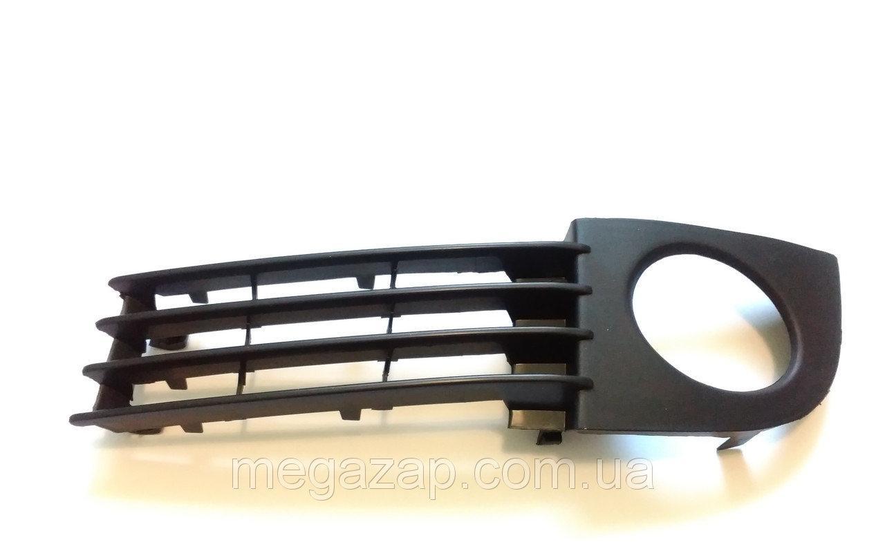 Решетка бампера передняAUDI A6 (01-05)