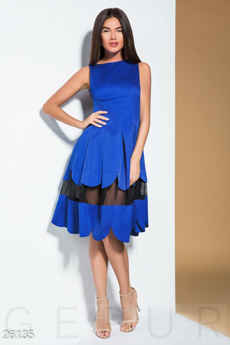 Летнее платье расклешенное с прозрачной вставкой миди без рукав синее