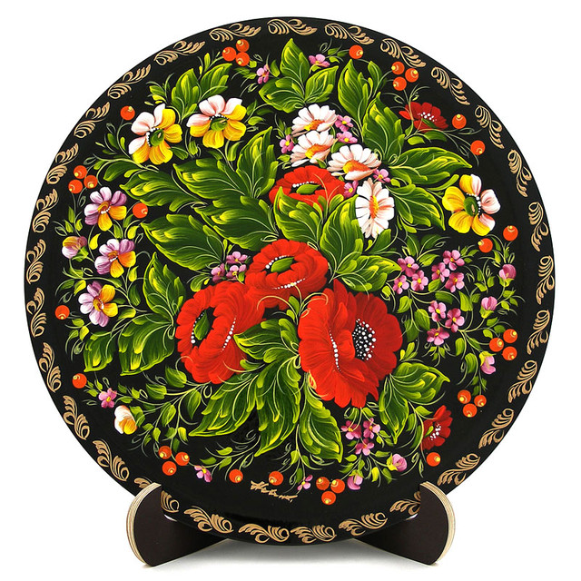Деревянная тарелка, расписанная в технике Петриковская роспись. Анютины глазки
