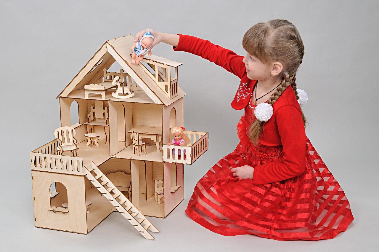 Кукольный домик FANA Солнечная Дача с мебелью 10 предметов (2001)