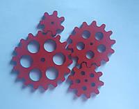 Набор шестеренок для  Бизиборда по методике Монтессори окрашеные Красные
