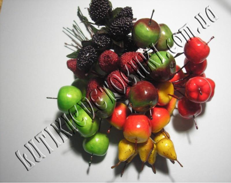 Бутоньерка фрукты.