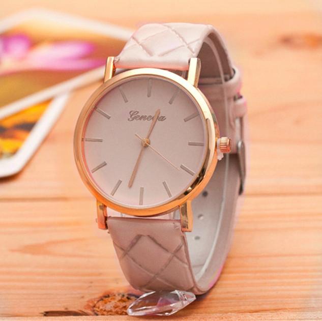 Женские часы Geneva на ремешке из экокожи бежевые