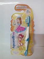 Зубні щітки STS дитячі з брелком кукла 4-х кольорів 3643756403514