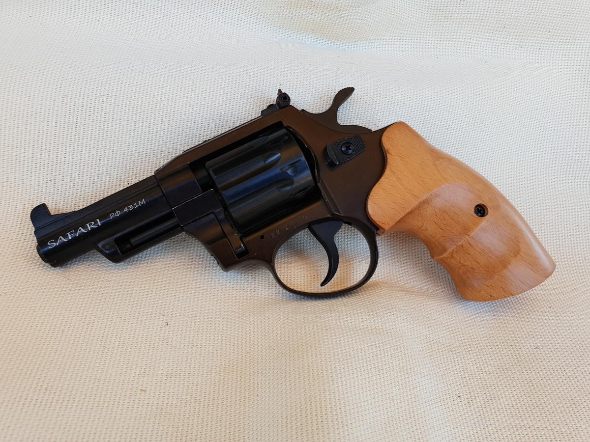 Револьвер под патрон Флобера Сафари РФ 431М с буковой рукоятью