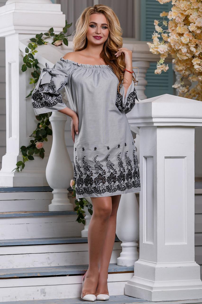 Летнее платье прямого кроя мини рукав три четверти с вышивками серое