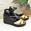 Босоножки женские на устойчивой платформе, цвет золото/черный, фото 4