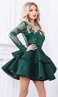 Платье с пышной многослойной юбкой изумрудного цвета