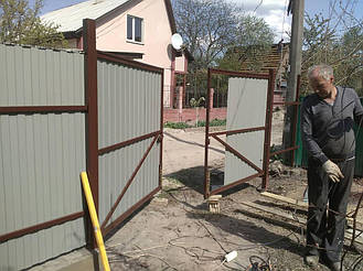 Забор из профнастила С8 под камень 3