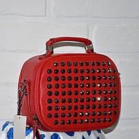 Красная сумочка мессенджер, с камнями, стильная сумка 2018, на цепочке