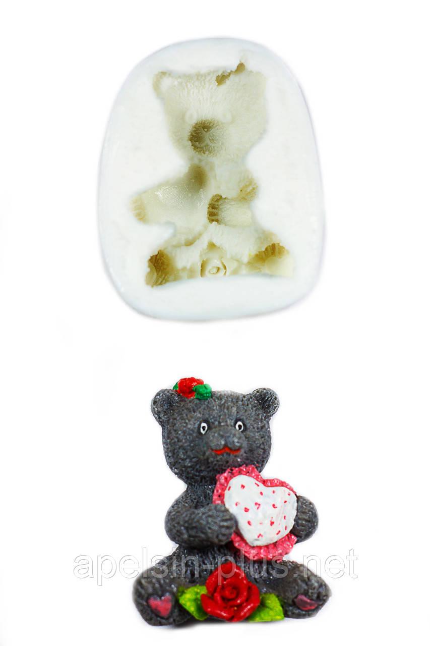 """Молд силиконовый """"Медвежонок Маша с сердечком""""  5 см 6,3 см"""