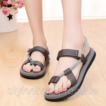 Літні сандалі на липучці