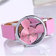 Модные кварцевые часы Микки