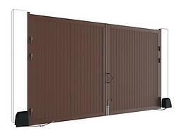 Распашные ворота DoorHan стандартных размеров в алюминиевой раме с заполнением сэндвич-панелями SWS