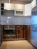 Кухня глянцевый шпон и глянцевая краска, фото 1