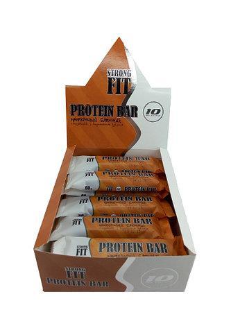 Протеиновый батончик Strong Fit 32% с карамельной крошкой 60г