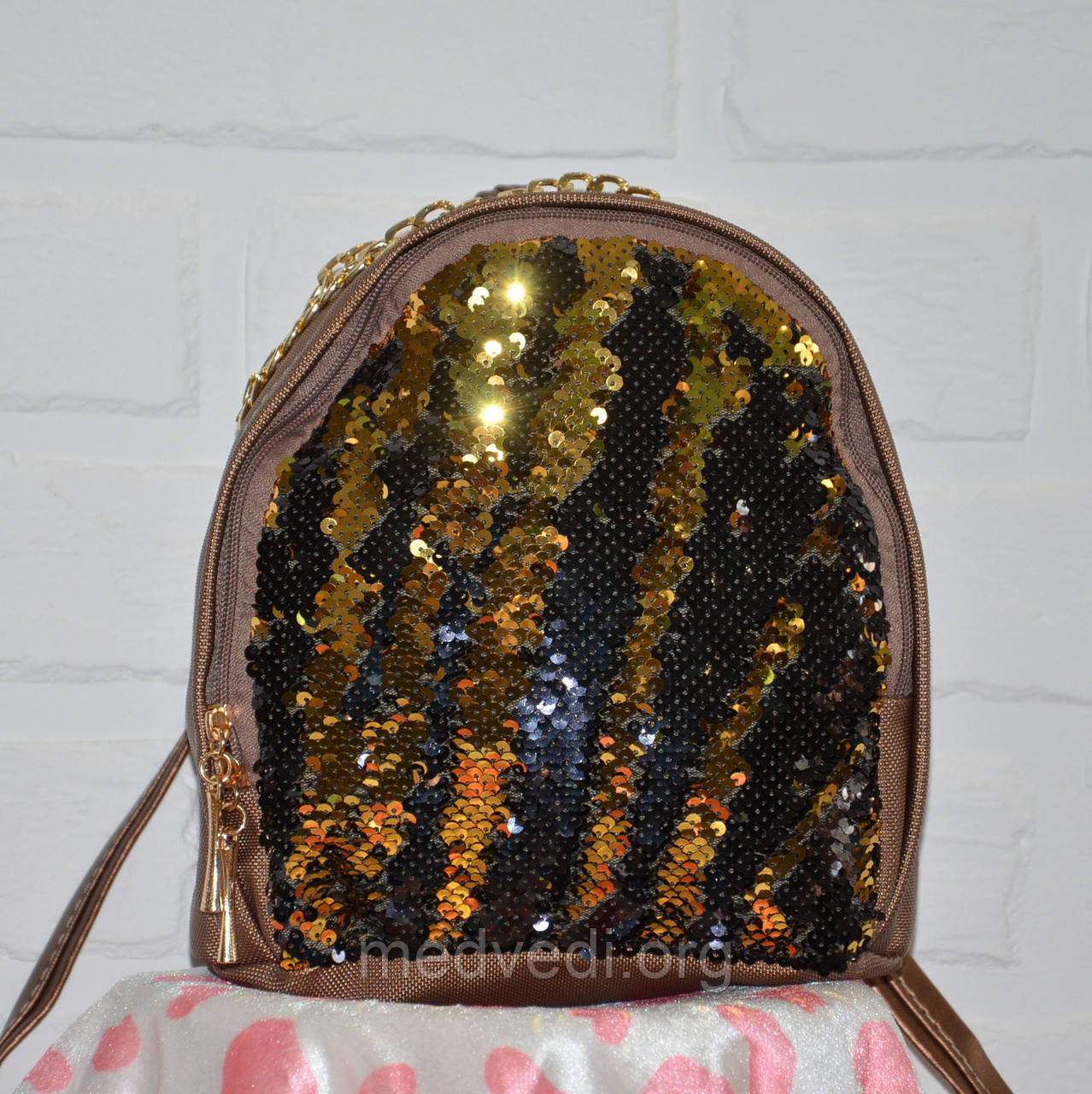 Рюкзак с пайетками двусторонними, женский золотой молодежный рюкзачок черно-золотая пайетка