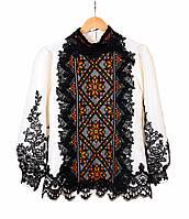 Жіноча дизайнерська блузка на атласі з етнічним орнаментом