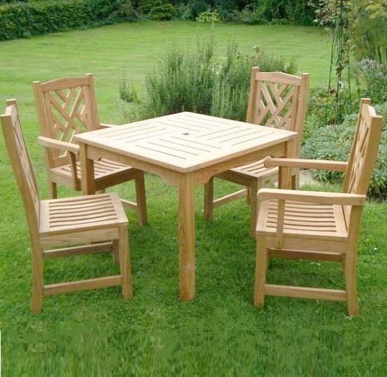 Комплекты деревянной садовой мебели