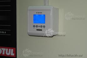 Контроль температуры обеспечивает программируемый терморегулятор Terneo PRO, установленно 3 шт, отдельно для каждого бокса.