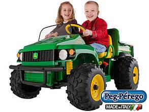 Детский двухместный электромобиль Peg Perego грузовик John Deere Gator с откидным кузовом 12V, мощность 340W