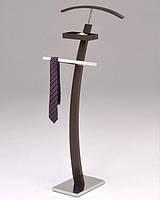 Напольная вешалка для костюма с перекладиной для брюк и полочкой для мелочей. W-24