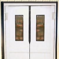 Маятниковые двери для кафе и ресторанов