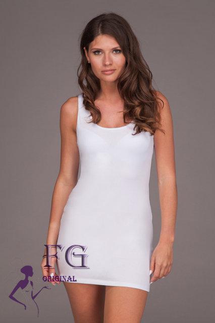 Универсальное летнее платье майка с декольте короткое белое