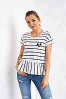 Модная полосатая футболка