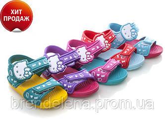 Яркие босоножки для девочки р(25-29) маломерки.