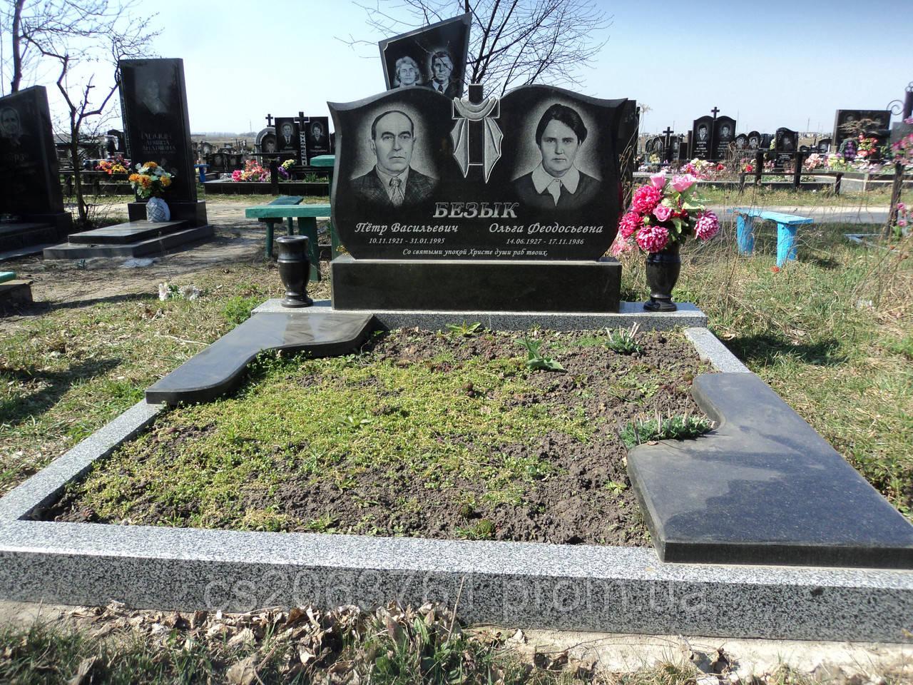 Двойные памятники гранитные памятники в москве дешево