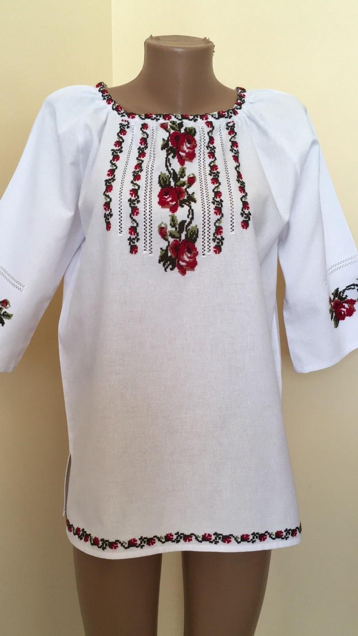 Вишиванка жіноча біла ручна робота вишивка хрестиком 50 розмір ... d202b80179ee6