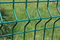 Сетка сварная на забор зеленого цвета с ребрами жесткости  2.5 м х 1.73м. прут (3/4мм)