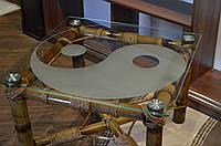 Журнальный столик из бамбука и стекла