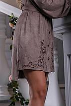 Элегантное платье эко замш асимметричное рукав широкий длинный полу приталенное с поясом капучино, фото 3