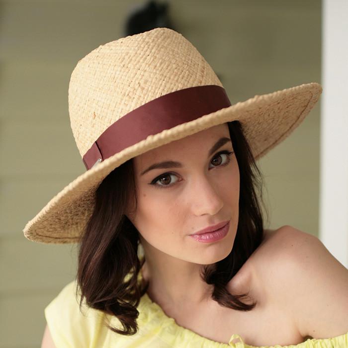 Бежева капелюх з соломки рафія ширина поля 10 см розмір 55-59