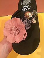 Шлепанцы с цветком и черепом средняя высота платформы , копия