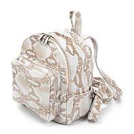 Женский рюкзак из натуральной кожи бежевого цвета с тиснением и принтом кожи питона