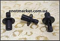 Нажимное крепление бампера много моделей Mazda. ОЕМ: 9046709139, 90467-09139, 0155303803