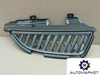 Решетка радиатора правая Mitsubishi Grandis 2003-2011
