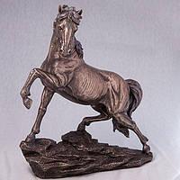 Статуэтка Конь на скале (31 см) 73443A4 Veronese Италия