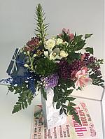 Квіткова композиція в коробці