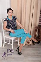 Женский брючный костюм голубые брюки-капри с блузкой, фото 3