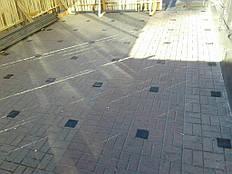 Подготовка поверхностидля монтажа металлическогокаркаса террасы на регулируемых опорах.
