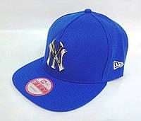 Кепка реперка с прямым козырьком New Era металлический логотип NY, размер 56-58