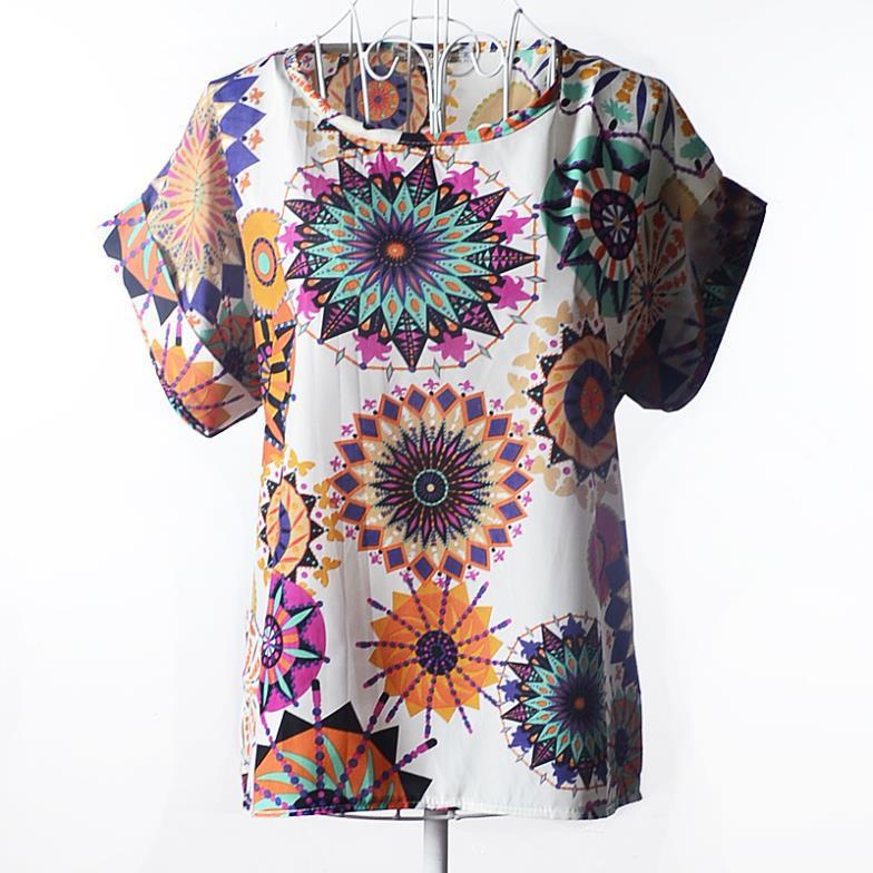 "Блузка с коротким рукавом ""калейдоскоп на белом"" Liva Girl"