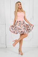 Персиковое короткое платье с пышной юбкой на лето