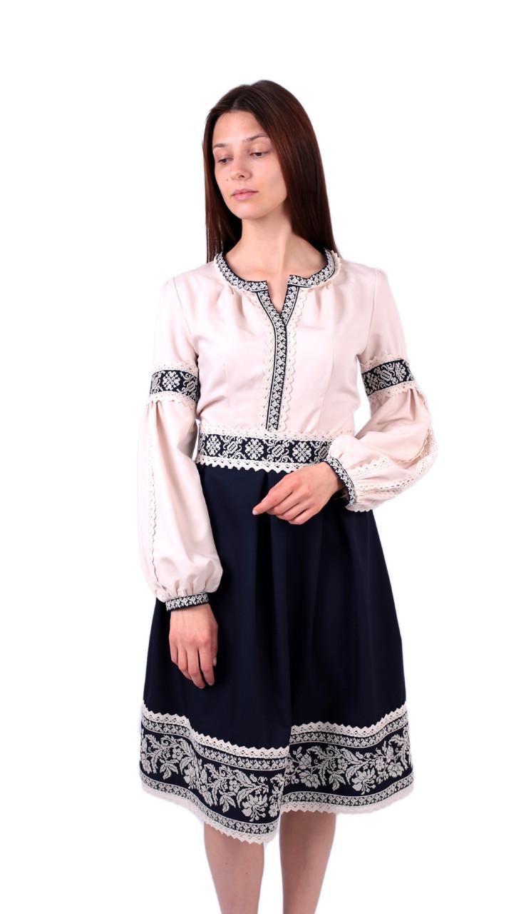 Вишите коротке плаття на бавовні синьо-бежевого кольору з машинною вишивкою